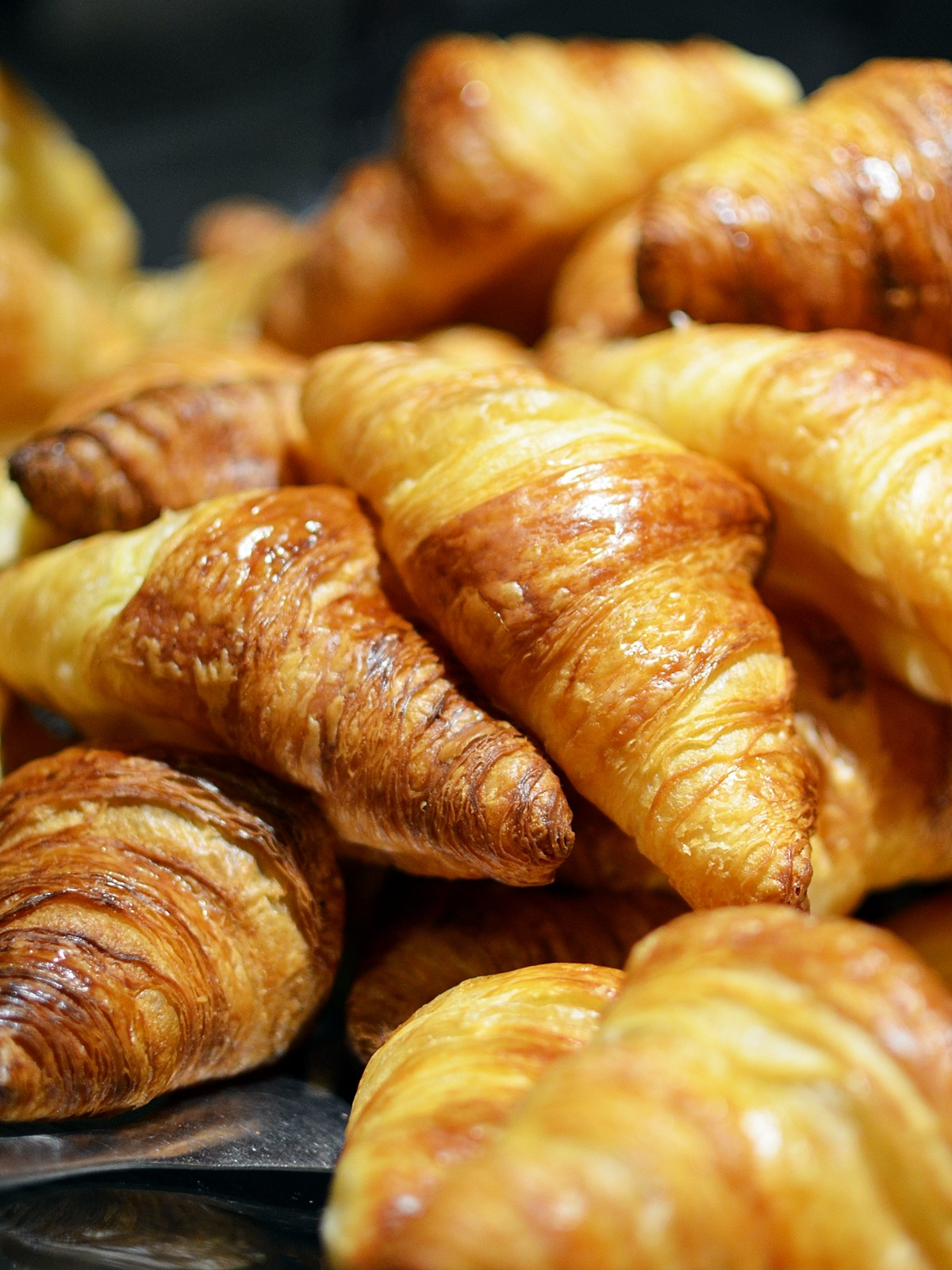 bakery-breakfast-croissant-2135