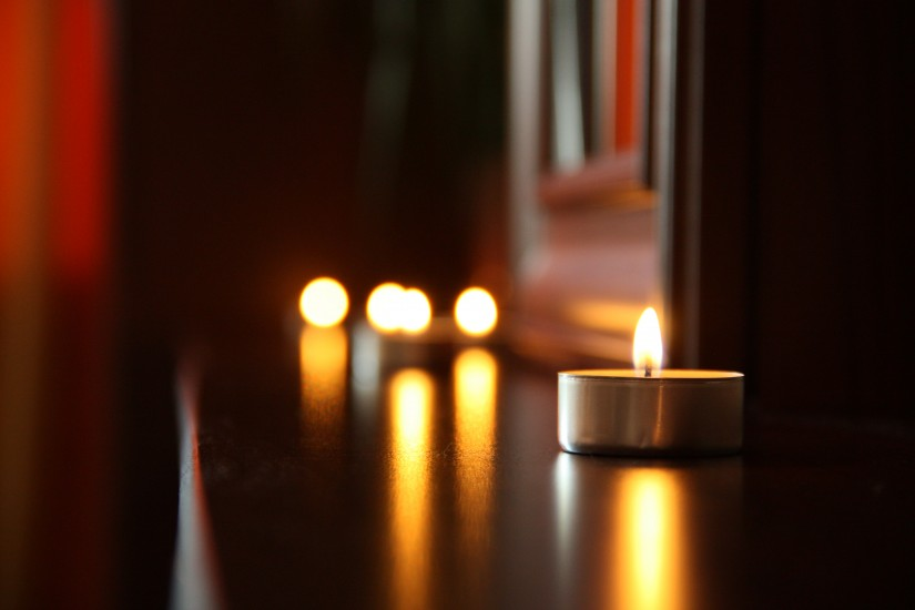 candlelight-candles-date-3219-825x550