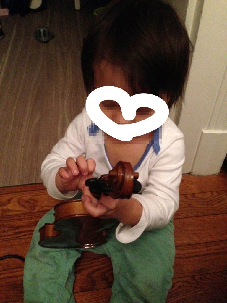 bebe-violon